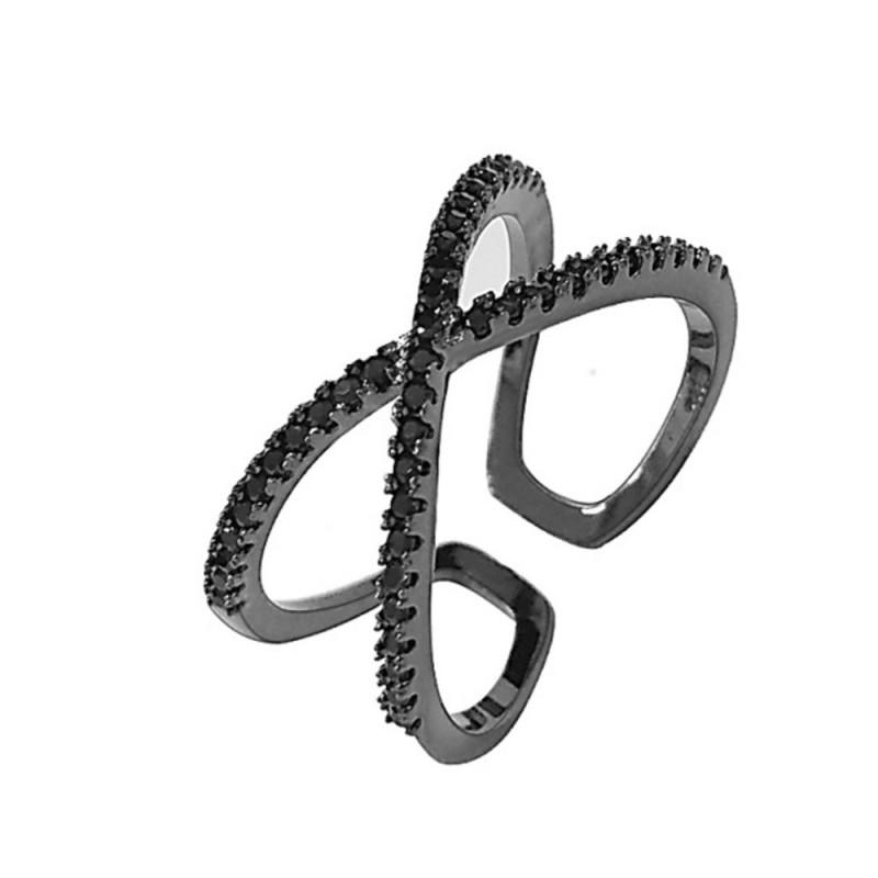 Everneed Scarlett Black Cross Ring Black Zirconia