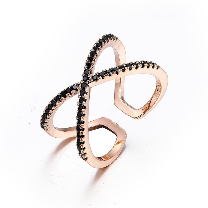 Everneed Scarlett Rose Gold Cross Ring Black Zirconia