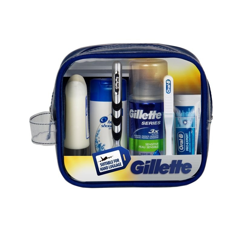 Gillette Mens Essentials Sensitive Travel Set