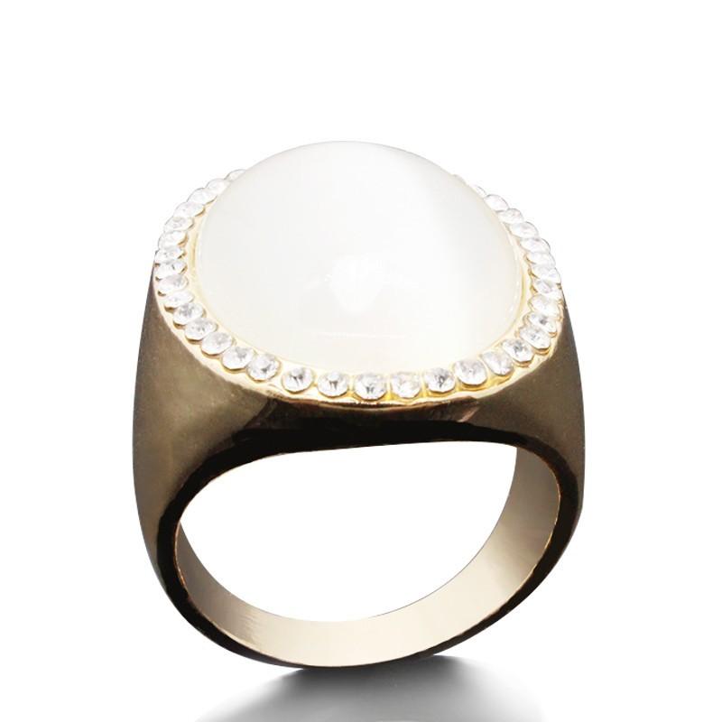 Everneed Ibi Oversize Opal Ring