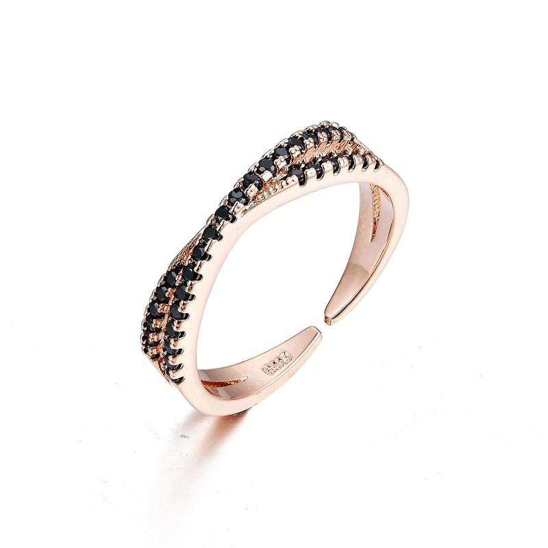 Everneed Mary Rosaguld Zirconia Ring