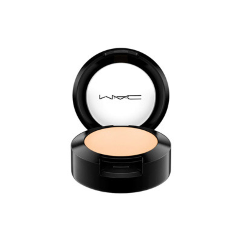 MAC Studio Finish Concealer NC20 SPF 35
