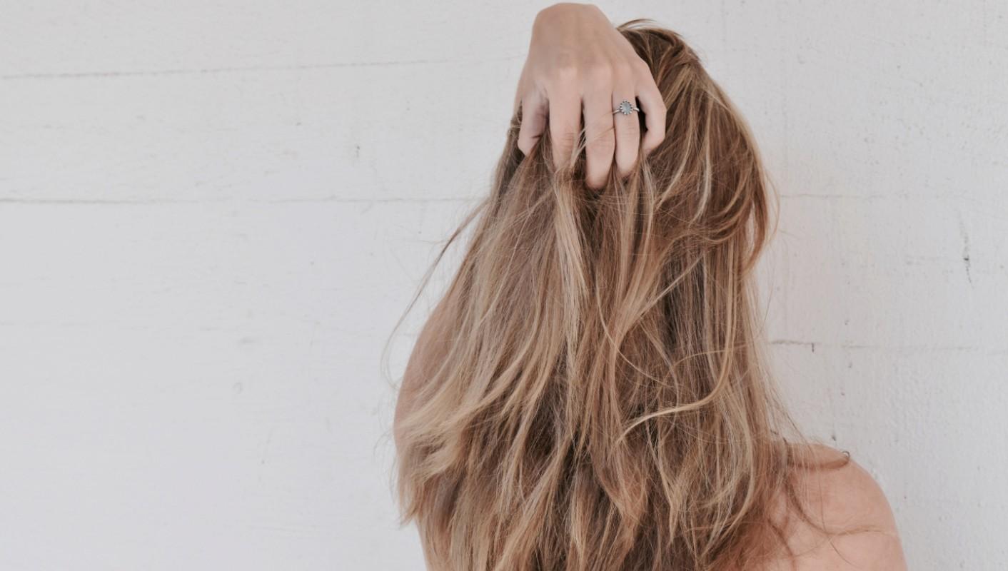 silverschampo brunt hår