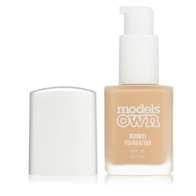 Models Own Runway Foundation Honey Light SPF30 30 ml