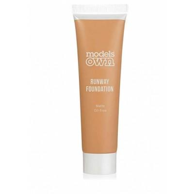 Models Own Runway Matte Foundation 04 Honey Light 30 ml